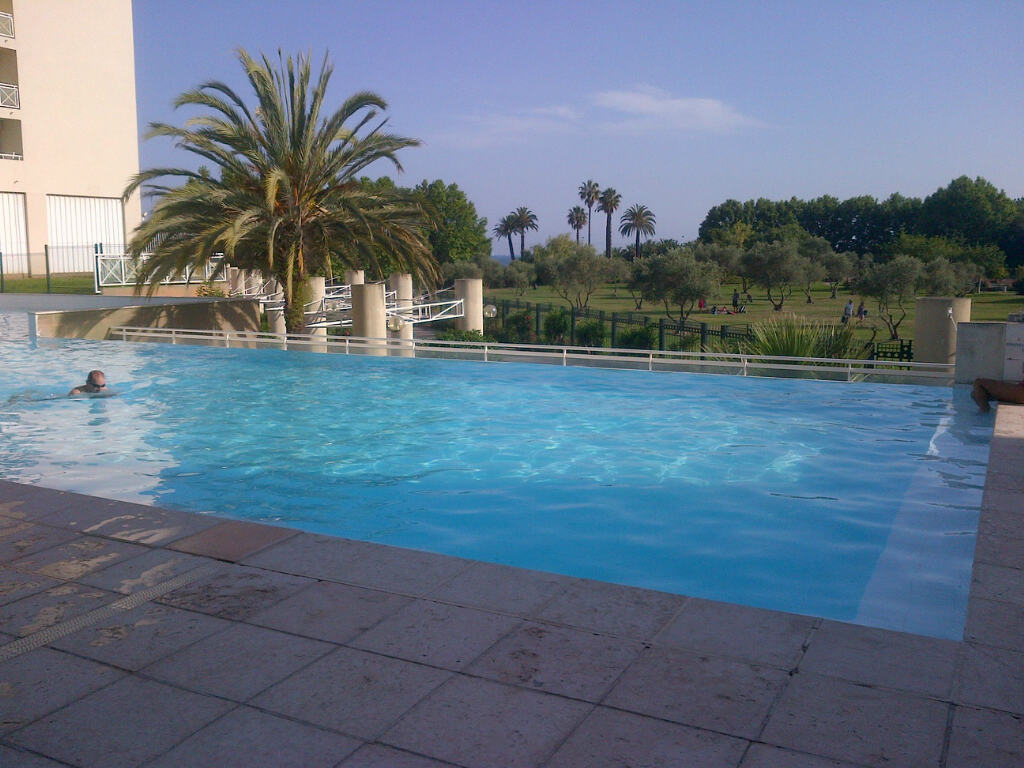 La piscine de la résidence de mon quatrième achat immobilier