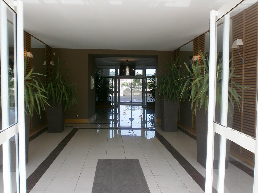 L'entrée de la résidence