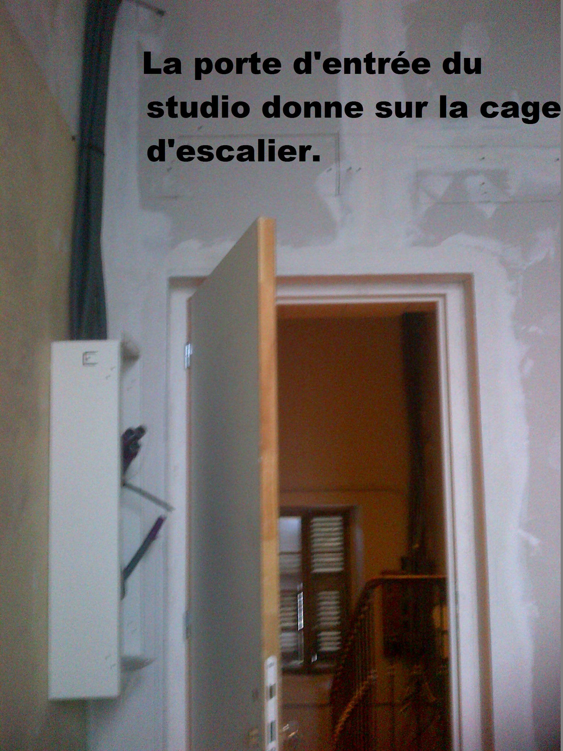 porte d'entrée studio Saint André de La Roche